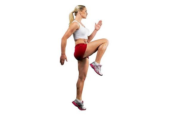 Chạy nâng cao đùi giúp chân săn chắc, khỏe mạnh